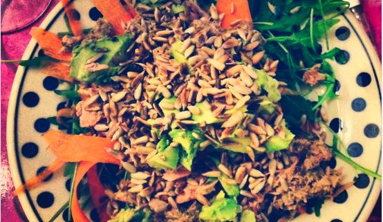 Tunsalat med ristede solsikkekerner