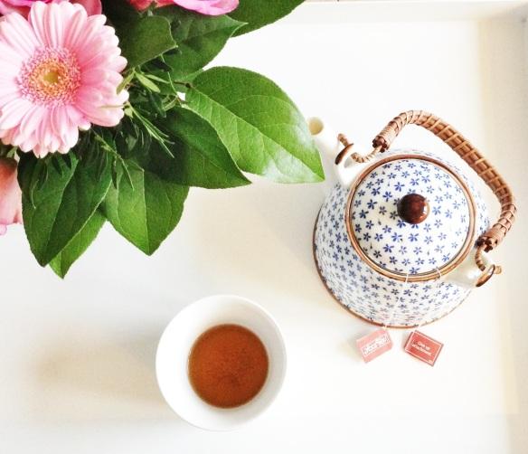 Te og blomster