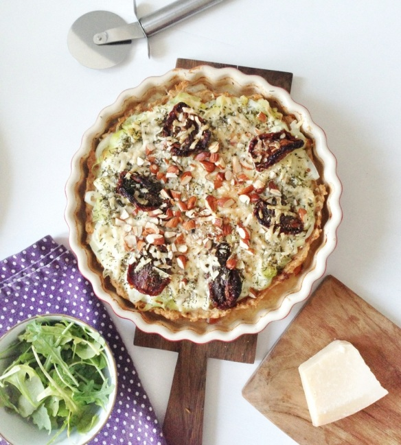 Paleotærte: Porretærte med soltørrede tomater og mandler