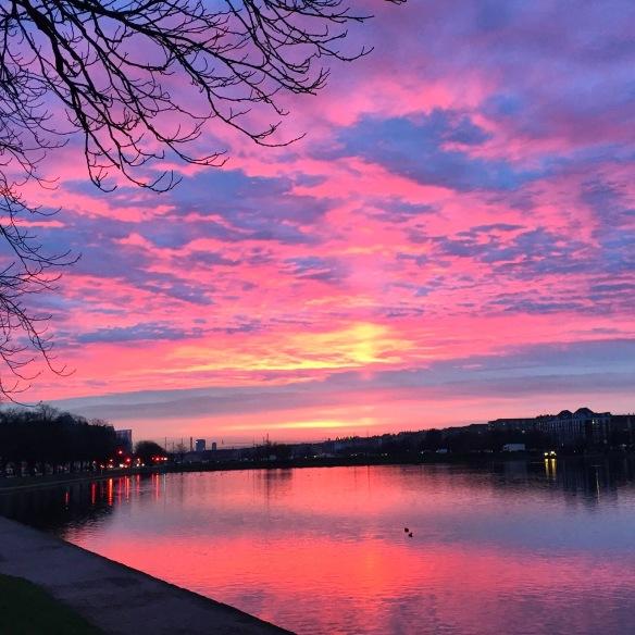 Og så blev himlen pink :)