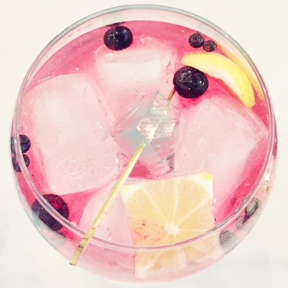 Kæmpestor gin & tonic