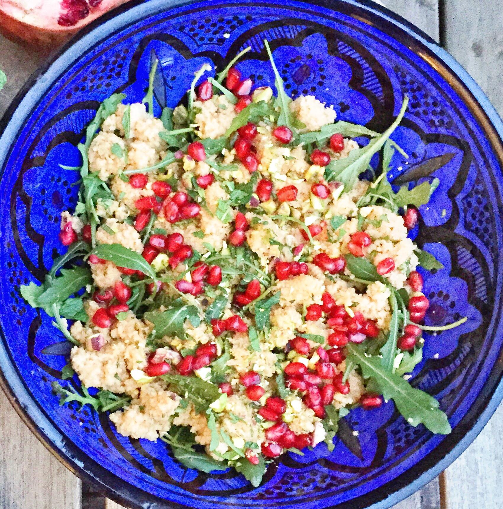 Søndags couscous med granatæble og pistacie