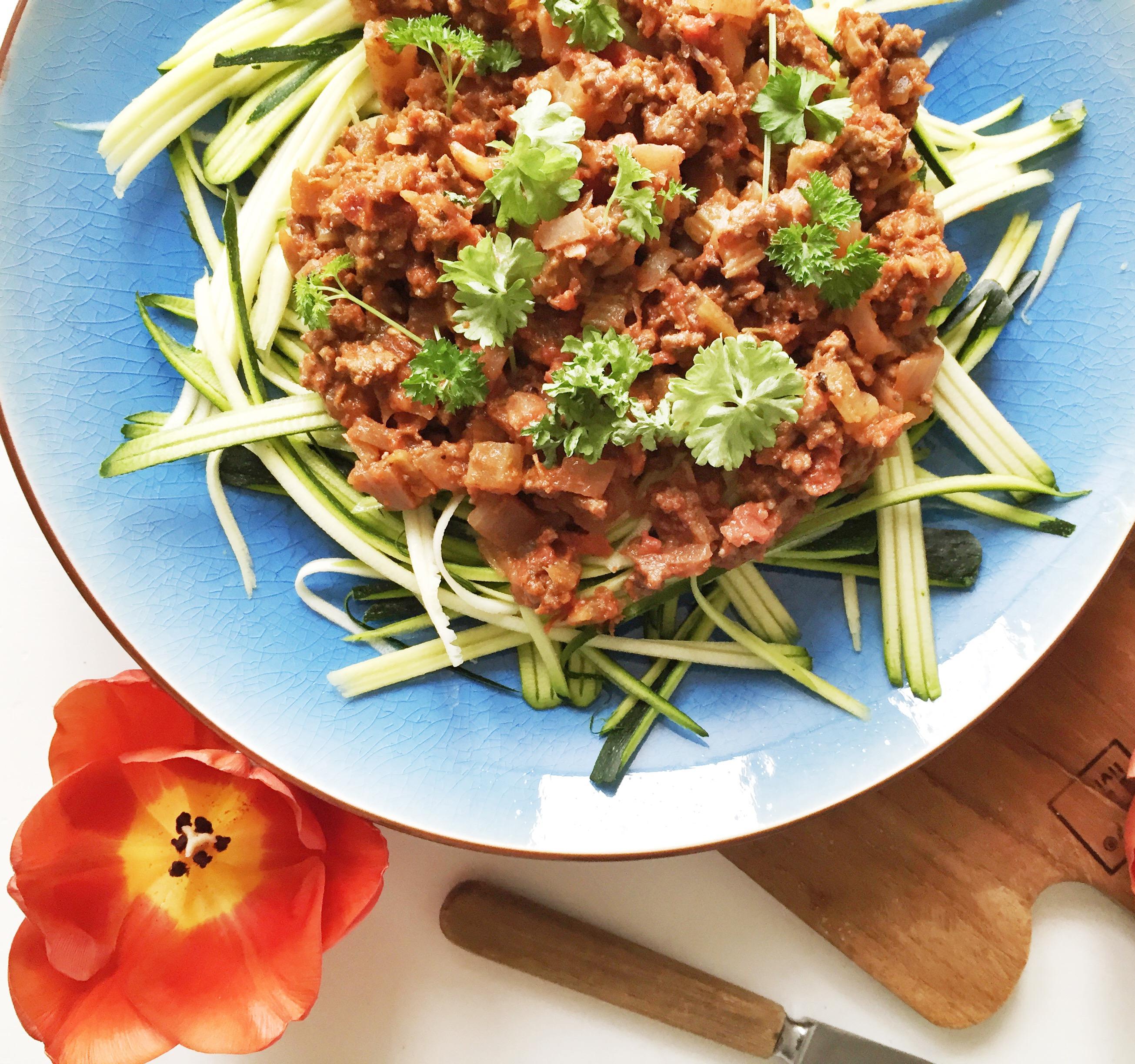 Grøntsags-spaghetti med bolognese