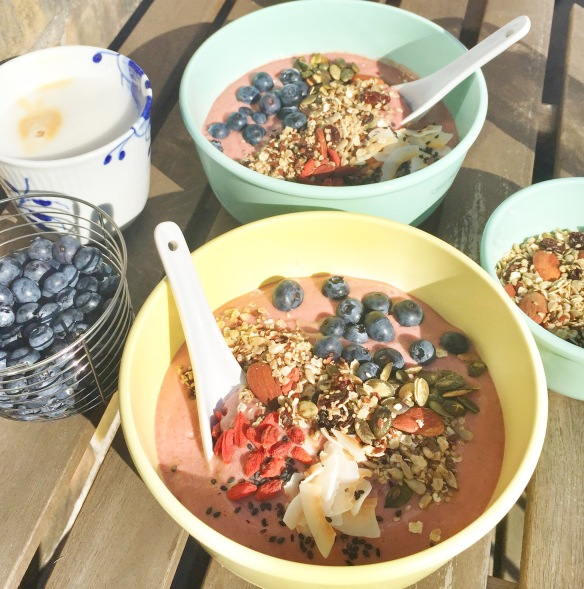 Jordbær smoothie bowl