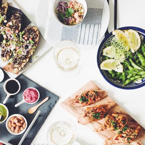 Ceviche, søde kartofler, aubergine og dips